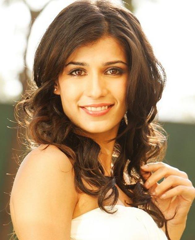 Tara D'Souza Close-up