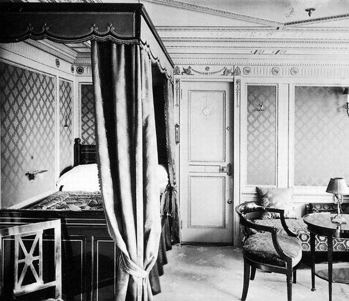 Titanic - Inside Room view