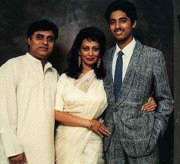 Jagjit Singh and Chitra Singh with Young Vivek