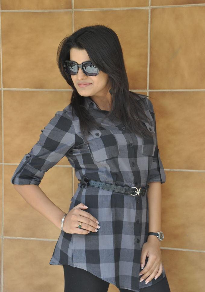 Bubbly Actress Tashu Kaushik latest photos