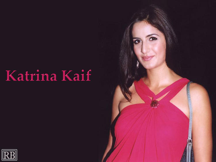 White Beauty Katrina Kaif Wallpaper