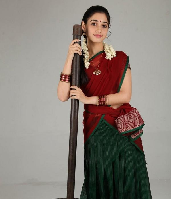 Tamanna Bhatia Picture With Red Color Saree, Cute Tamanna
