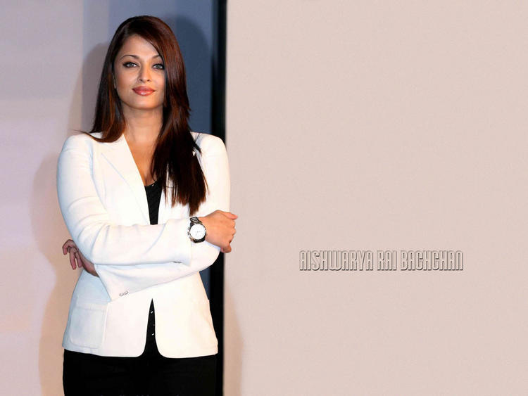 Style Icon Aishwarya Rai Wallpaper , Real Bollywood Queen