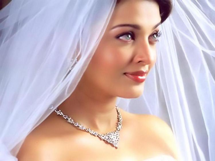 Http Www Memsaab Com Gallery Queen Bollywood Aishwarya Rai Photos And Wallpapers Stunning Beauty Aishwarya Rai Bridal