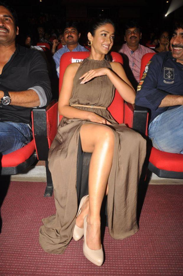 Ileana Sexy Legs Pic In High Cut Gown at Devudu Chesina Manushulu Music Launch