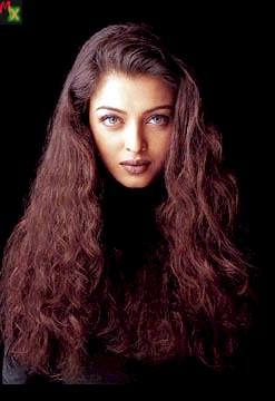 Aishwarya Rai Sexy Look In Red Curly Hair Photos And