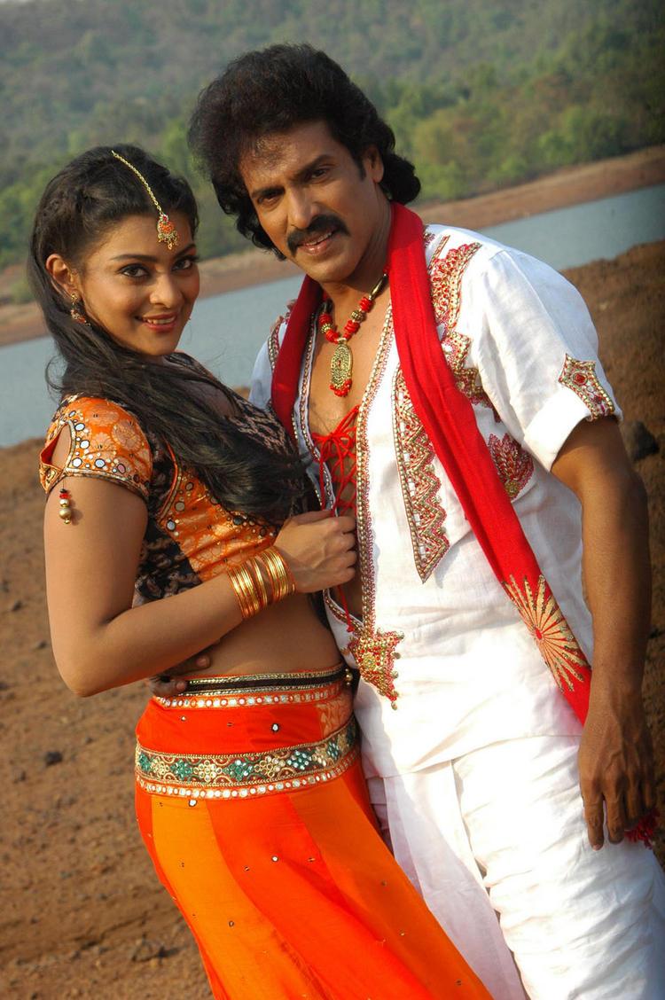 Upendra and Soundarya A Still From Kannada Movie God Father