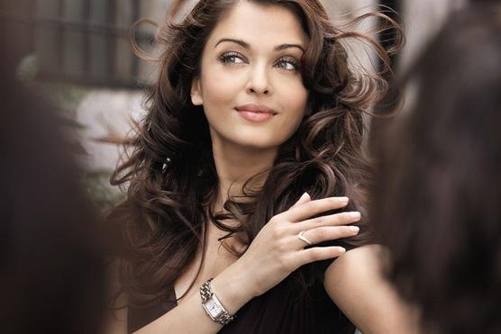 Aishwarya Rai Sexiest Pose Photo Shoot