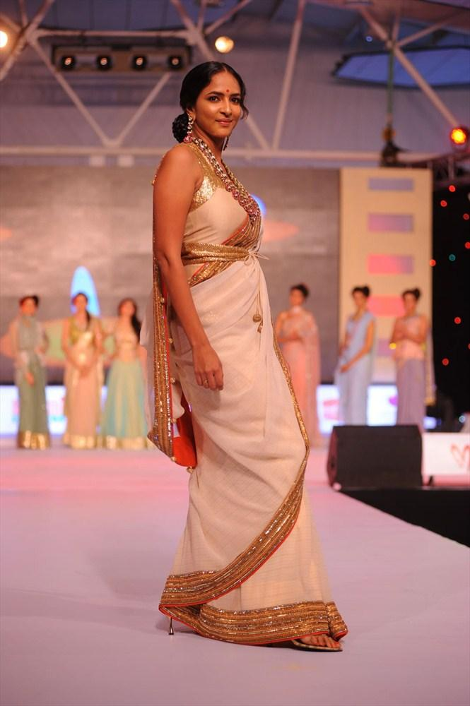 Manchu Saree On Ramp At South Spin Fashion Show 2012 Manchu Lakshmi Prasanna Walks The Ramp At