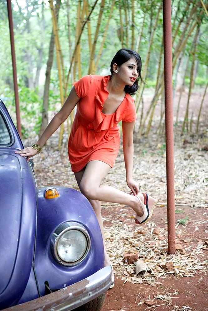 ... /telugu-actress-deepa-sannidhi-hot-spicy-photoshoot…   Pinterest