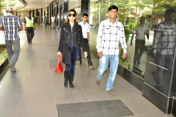 Gauri Khan Spotted at Mumbai International Airport