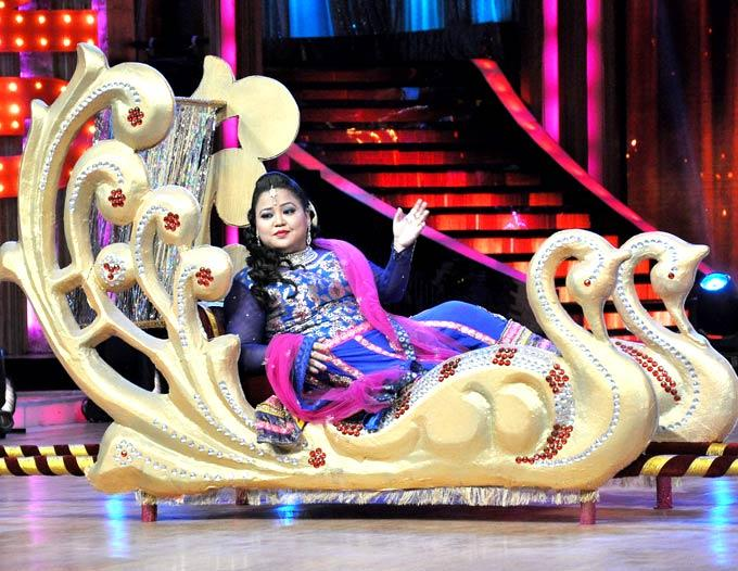 Bharti Singh Performs at Jhalak Dikhla Jaa Season 5 Grand Finale