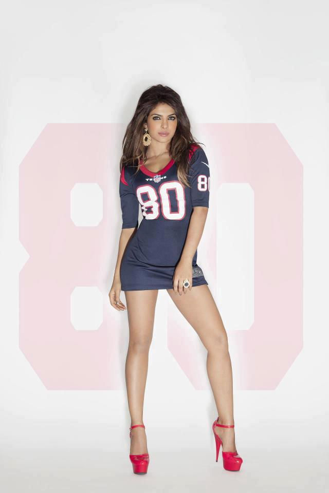 Priyanka Chopra Represents Every Nfl Team 3219573