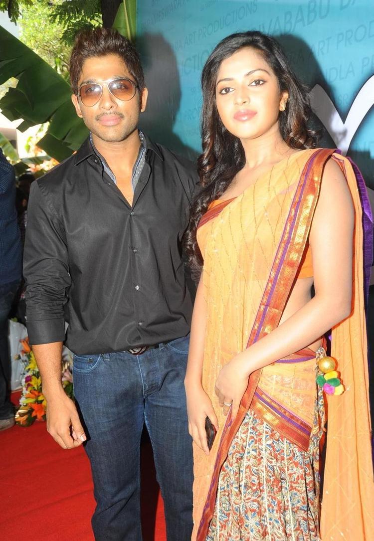 Amala Paul And Allu Arjun Hot Jodi Still