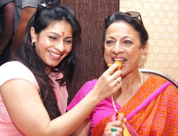 Tanisha And Tanuja Smiling Face Look Still