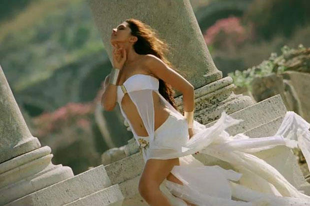 Deepika Padukone Sexy navel Expose Hot Still From Movie Race 2