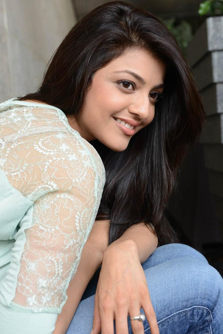 Hair Staill : Kajal Agarwal Completed Her Look With Flowing Hair Still , Kajal ...