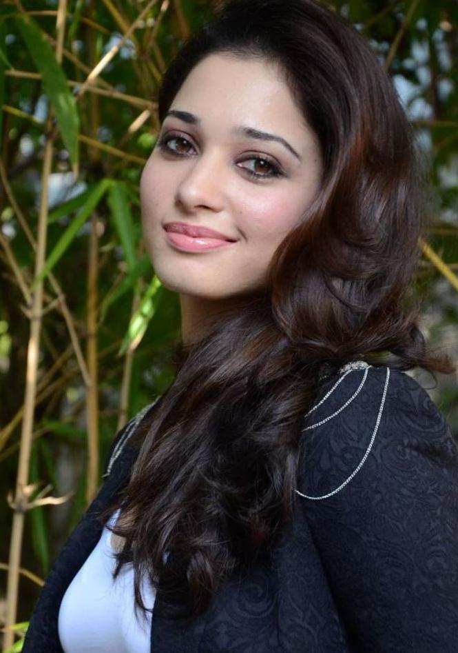 Hair Staill : Tamanna Bhatia Completed Her Look With Flowing Hair Still , Tamanna ...