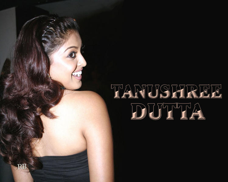 Latest Glam Girl Tanushree Dutta Wallpapers