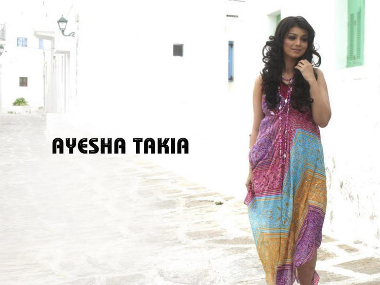 Ayesha Takia Cute Dress Wallpaper