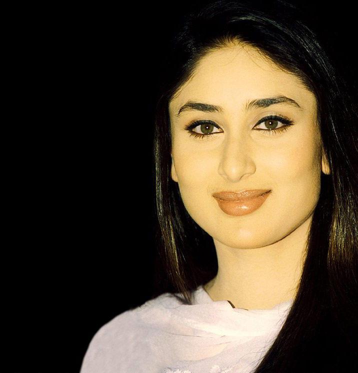 Kareena Kapoor Beautiful And Attractive Look Wallpaper