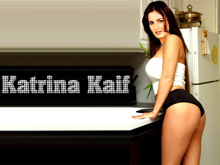 Katrina Kaif Sexy Hips Show Wallpaper