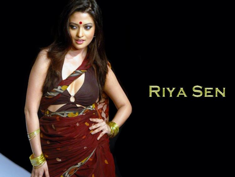... Wallpaper , Stunning and Sexy Babe Riya Sen Wallpapers | Memsaab.com