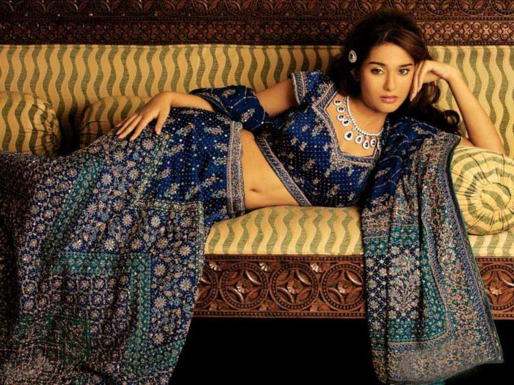[Image: amrita-rao-hot-navel-show-spicy-pose-photo-shoot.jpg]