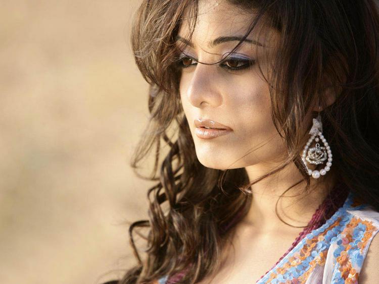 Neha Oberoi Beautiful Face Look Wallpaper