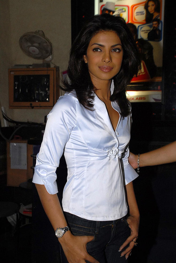 Priyanka Chopra Stylist Photo With Whirt Shirt And Black Jeans Hot Bollywood Diva Priyanka