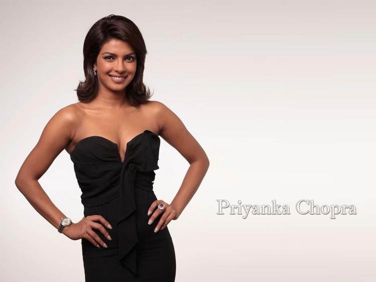 Priyanka Chopra Tight Black Dress Still , Charming Beauty ...