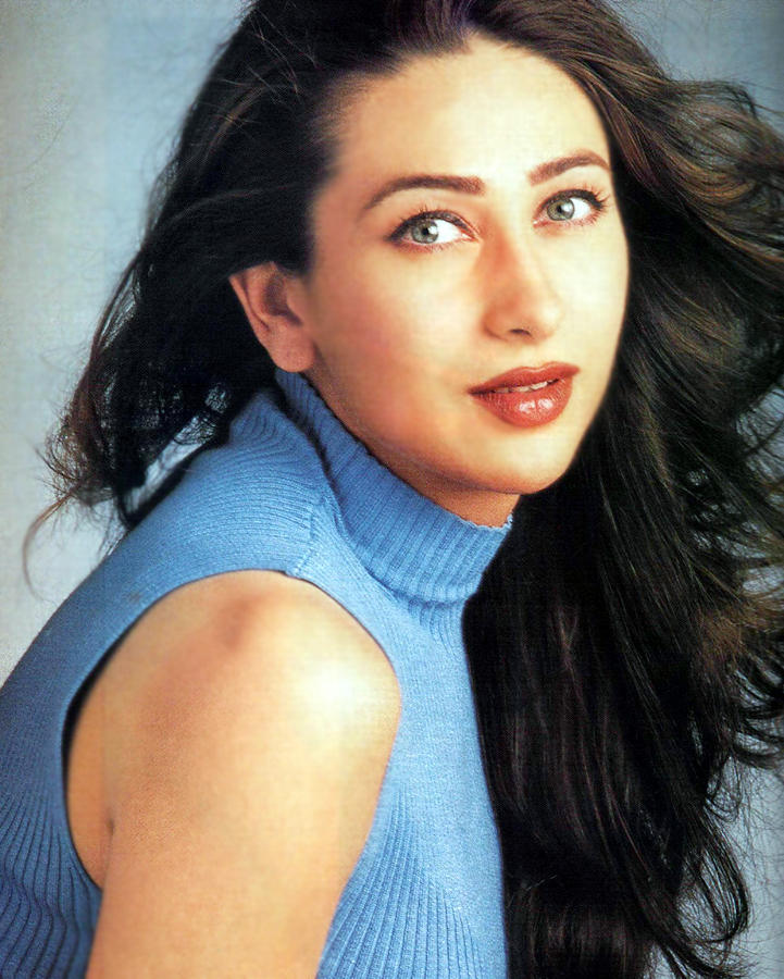 Karishma Kapoor Sexy Eyes and Wet Lips Pic , Sizzling ...