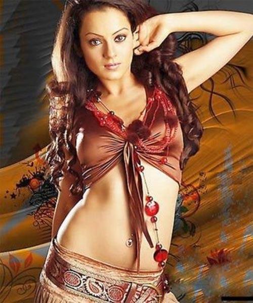 Kangana Ranaut Sexy navel Showing Pics
