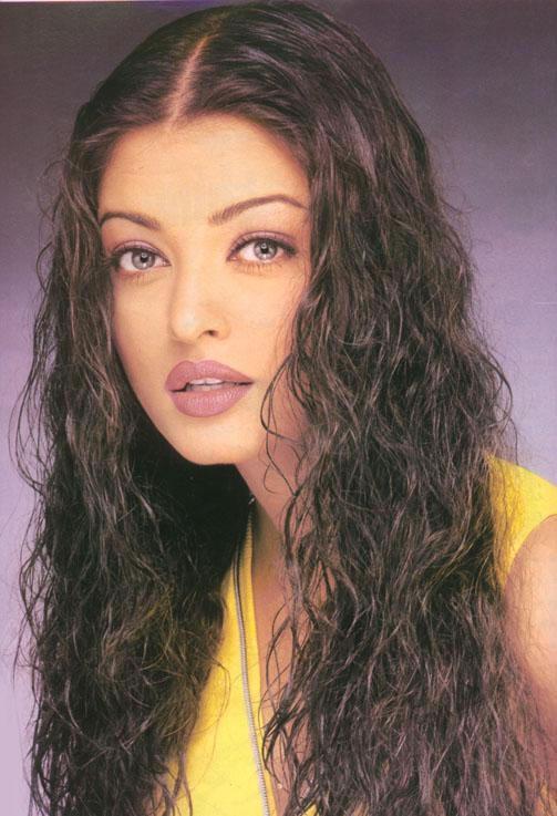 Hair Staill : Aishwarya Rai Wet face Look Curly Hair Still , Cute Aishwarya Rai ...
