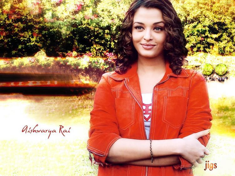 Cute Aishwarya Rai Beauty Images