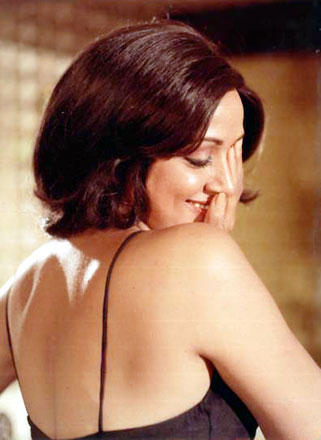 Hema Malini Sexy Bare Back Exposing Hot Pics