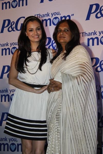 Photo of Diya Mirza & her Mother  Deepa Mirza