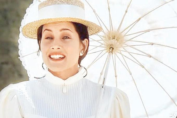 bone snatcher actress rachel shelley in lagaan bollywoods hot foreign