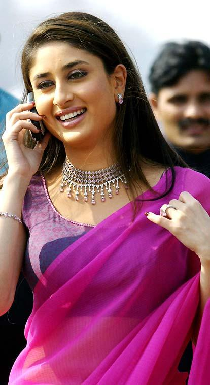 Kareena Kapoor Magenta Color Saree Still In Bewafa, Latest Images and ...