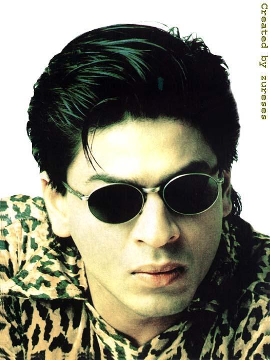 a4e2d12eab7f9 Shahrukh Khan Wearing Goggles Nice Wallpaper