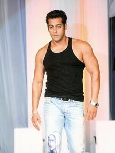 Salman Khan Body Show Pic