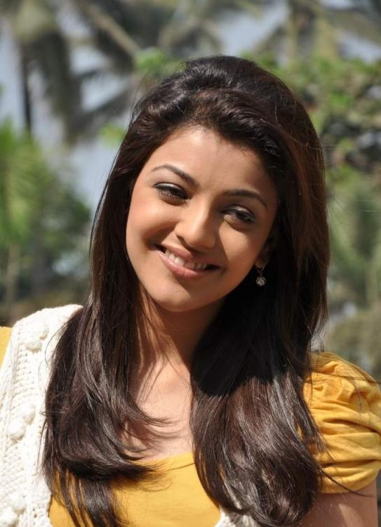 Hair Staill : Kajal Agarwal Completed Her Look With Flowing Hair Still, Actress ...