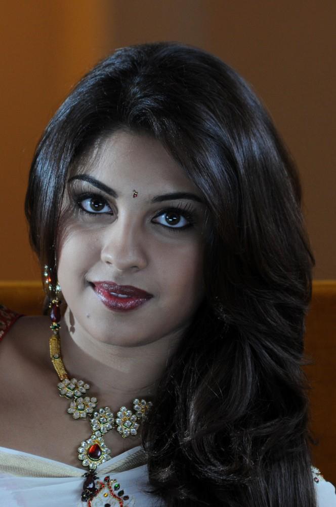 Hair Staill : ... Hair Still, Richa Gangopadhyay Latest Saree Photo Still Memsaab.com
