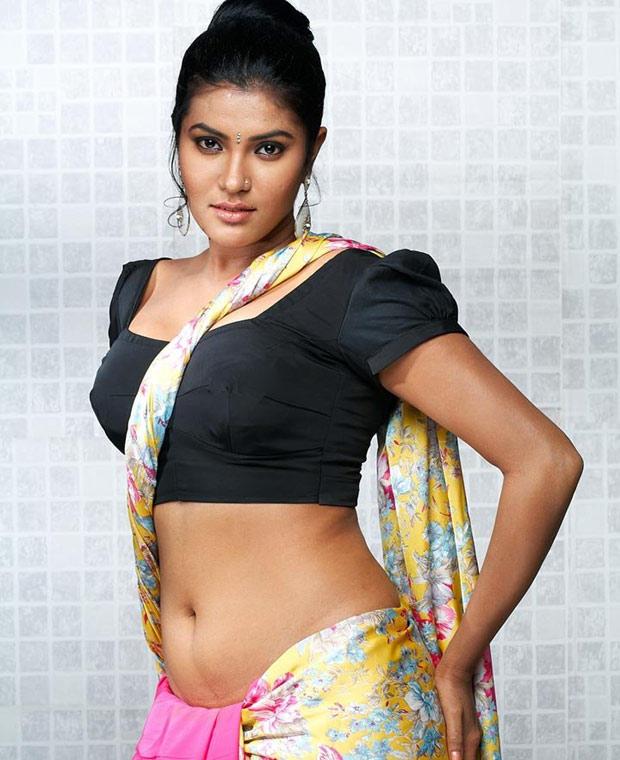 Huge boobs show by kolkata college girl very steamy