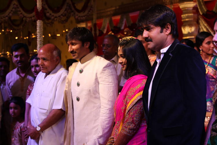 Srikanth And Ramoji Rao Pose With Newly Married Couple Gopi And Reshma
