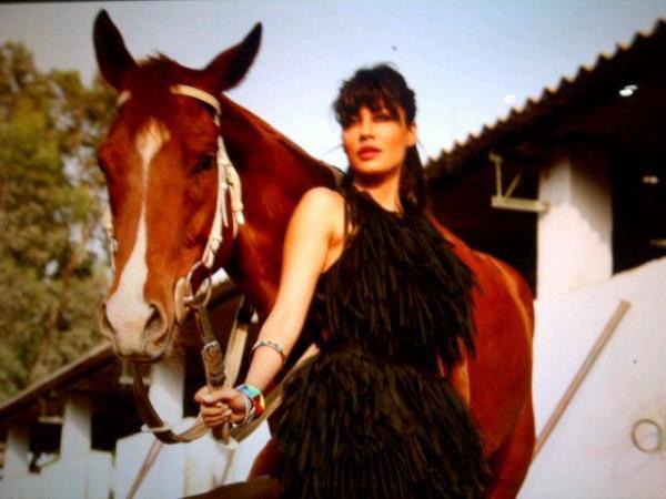 Chitrangda Singh Photo Shoot For Hello India June Edition