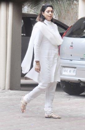 Bollywood Celebs At Jiah Khan's Funeral   Memsaab com