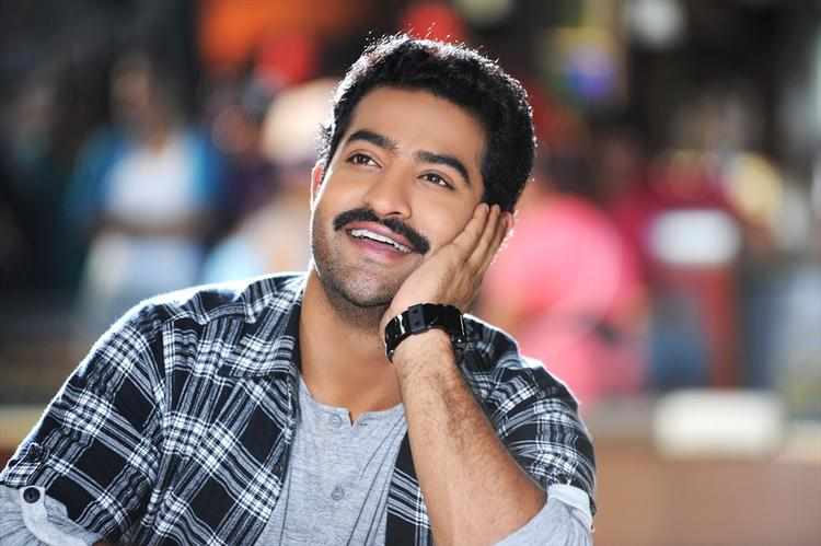 Jr. NTR Cool Smiling Look Still From Ramaiya Vastavaiya Movie