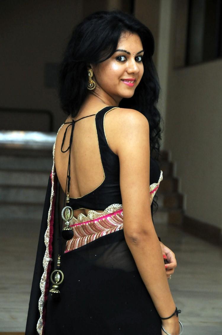 Kamna Jethmalani Hot Sexy Look In Black Saree At Band Balu Audio