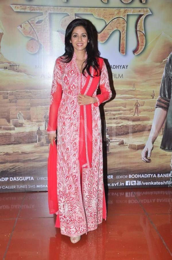 B-Town Actress Sridevi In Abu Jan And Sandeep Khosla Creation During The Premiere Of Bengali Movie Mishawr Rahasya